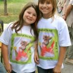 ....und auch zwei kleine Helferinnen freuten sich über die tollen T-shirts mit unserer kleinen Emilia drauf.