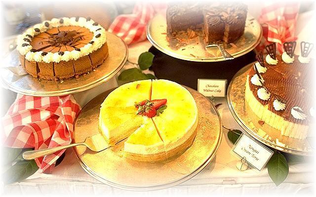 Wer möchte helfen und einen Kuchen oder eine Torte backen?